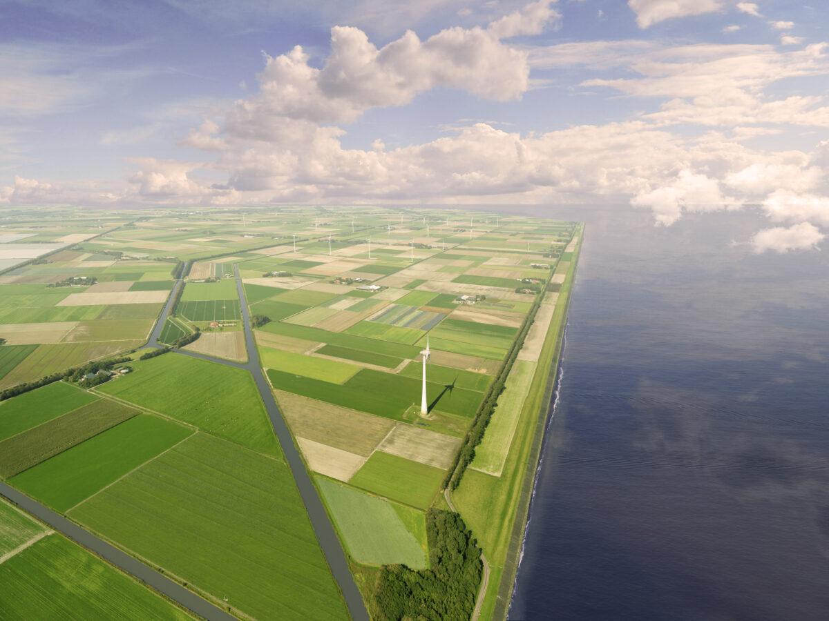 Atollen in IJsselmeer is schijnoplossing. Binnendijkse natuur met zonnepanelen is echte groene energie