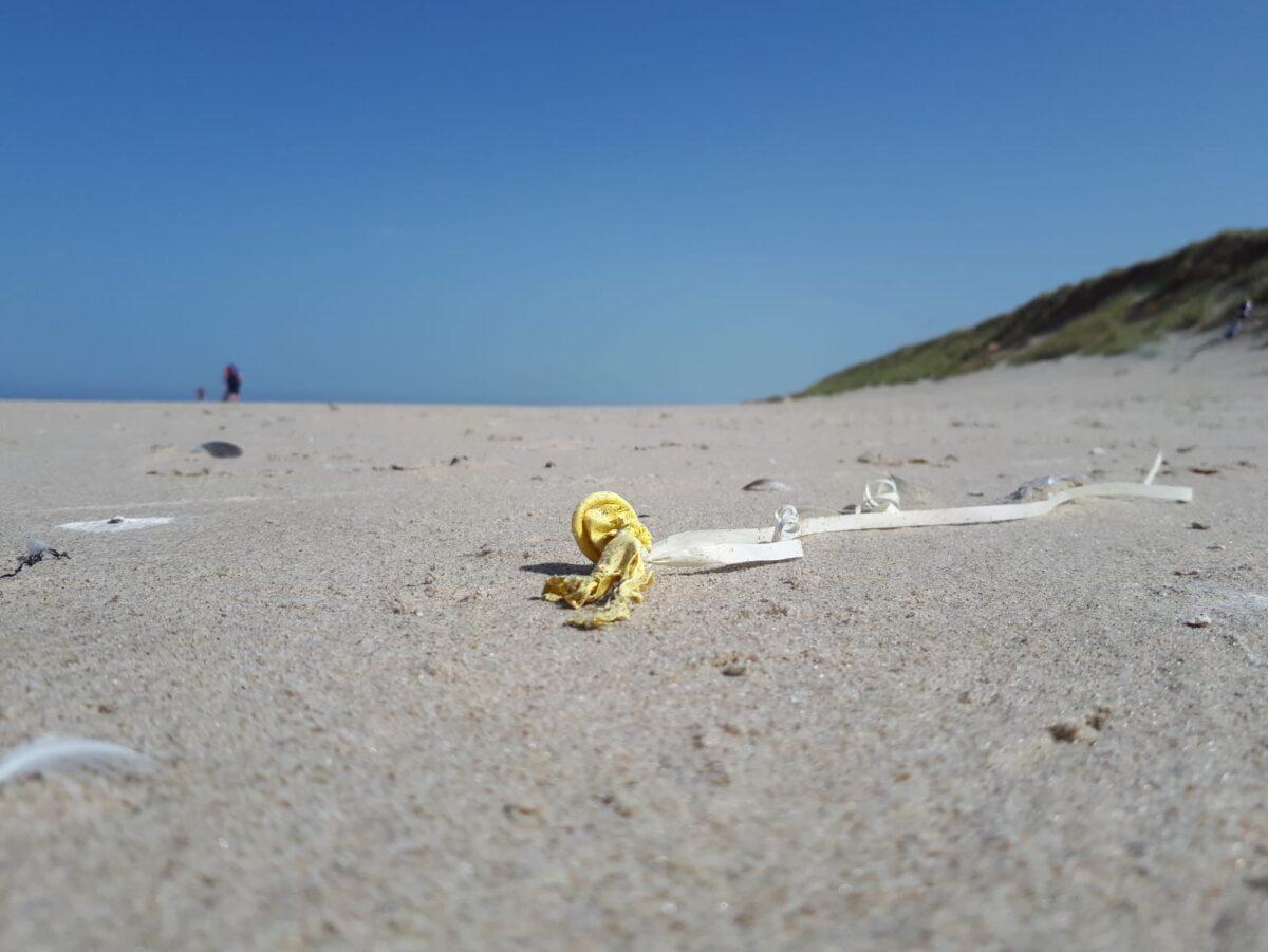 Steeds minder afval op het strand